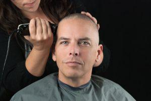 capelli rasati a zero: look rasato