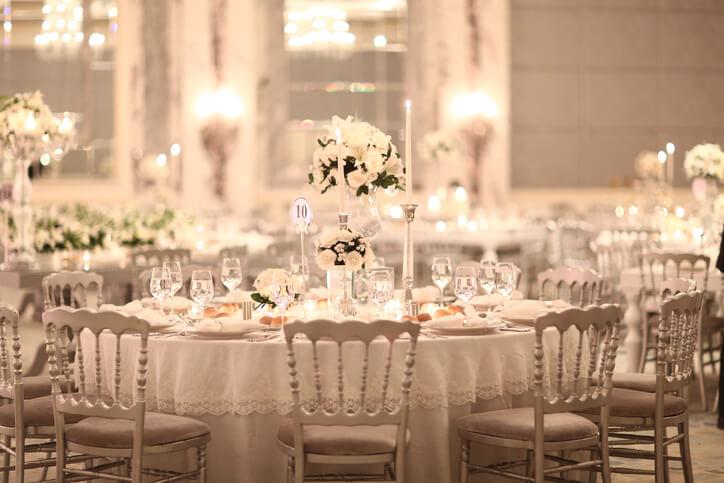 Matrimonio Tema Tavoli : Tavoli matrimonio tableau temi e regole preziose