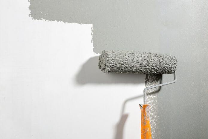 pareti grigie: camera da letto