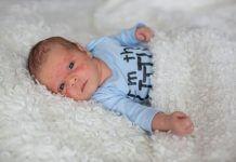 brufoletti neonato viso
