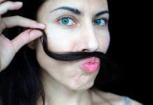 Come togliere i baffetti donne