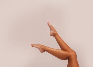 come ritardare la crescita dei peli sulle gambe e sul corpo